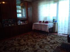 "Dnepr. road, 3-bedroom in ""high-rise"" building"